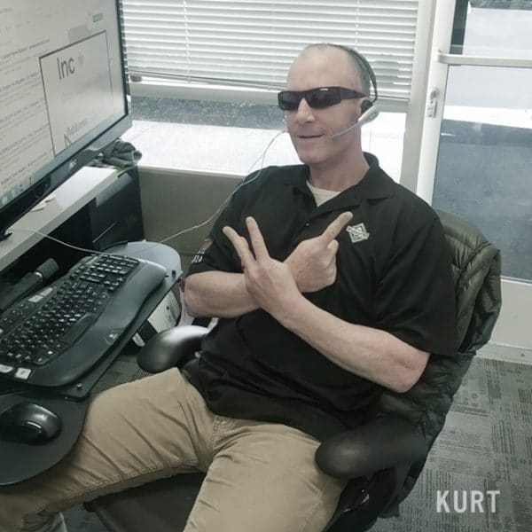 kurt_office-desat3